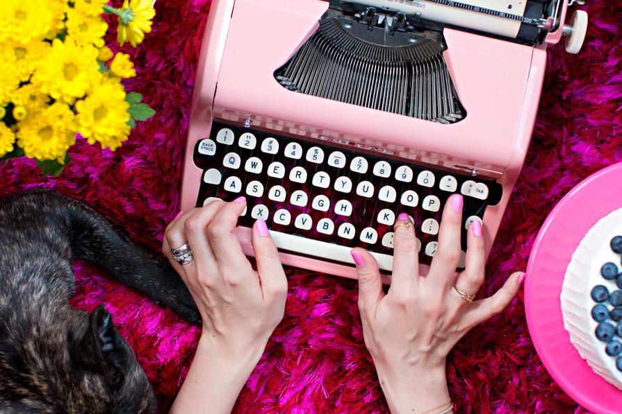 dani-noce-maquina-de-escrever