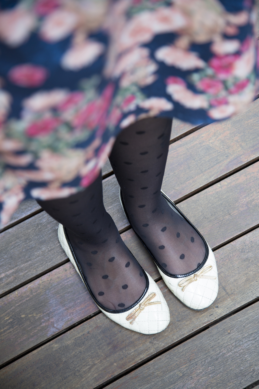 danielle-noce-look-estampas-sapatilha-arezzo-meia-bolinha