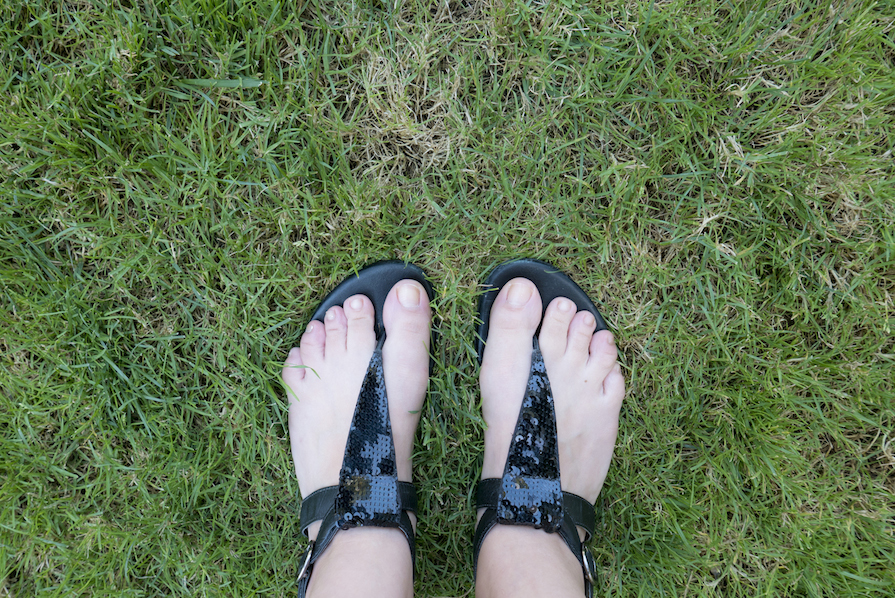danielle-noce-look-dia-ootd-vestido-preto-florido-farm-7