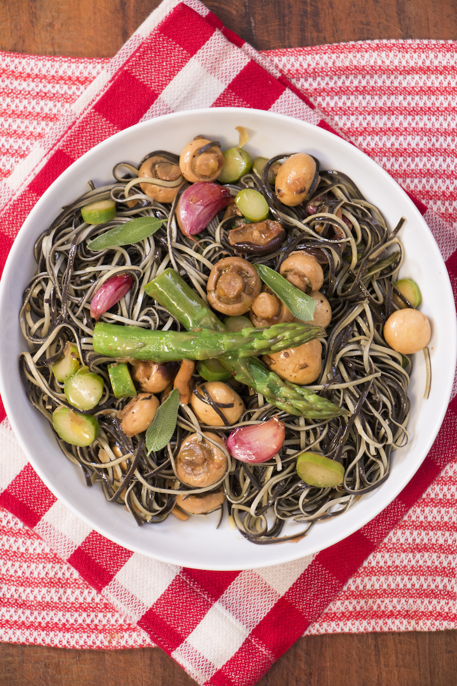 receita-como-fazer-macarrao-cogumelo-aspargo-2