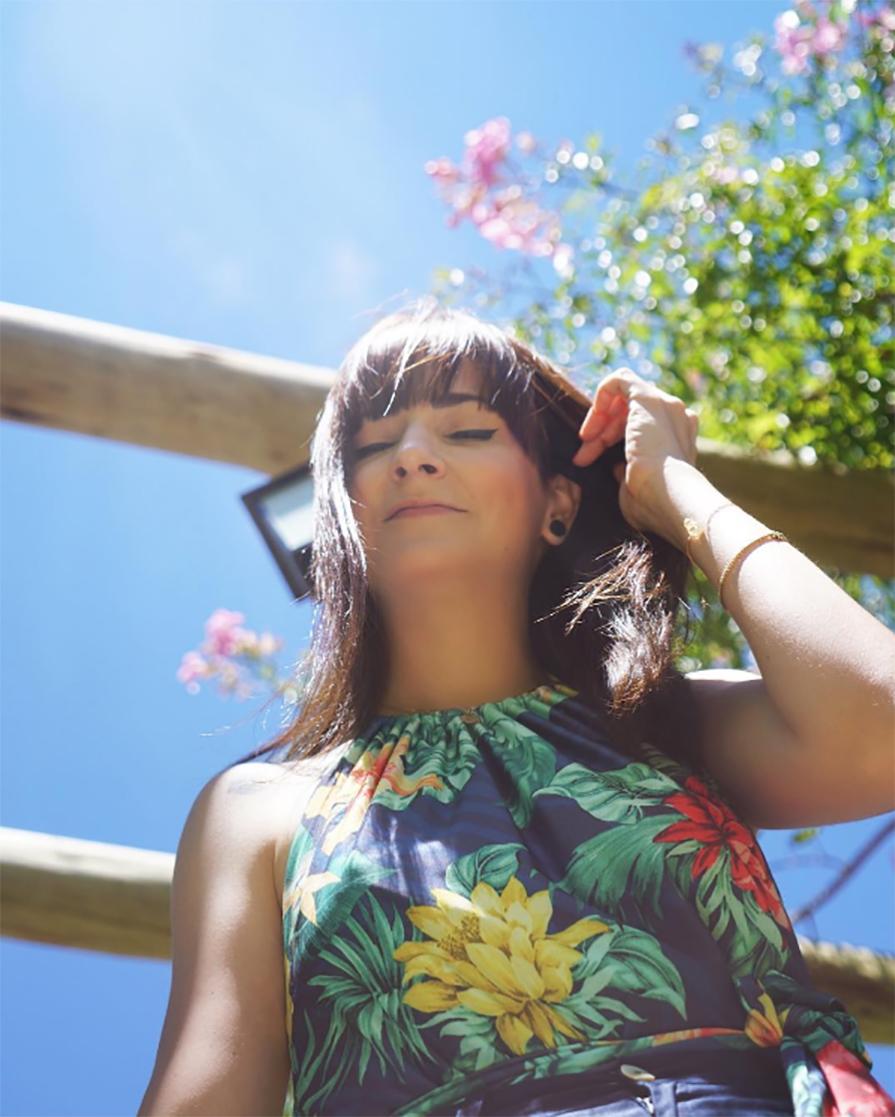 look-com-maio-floral-e-folhagens-danielle-noce-1