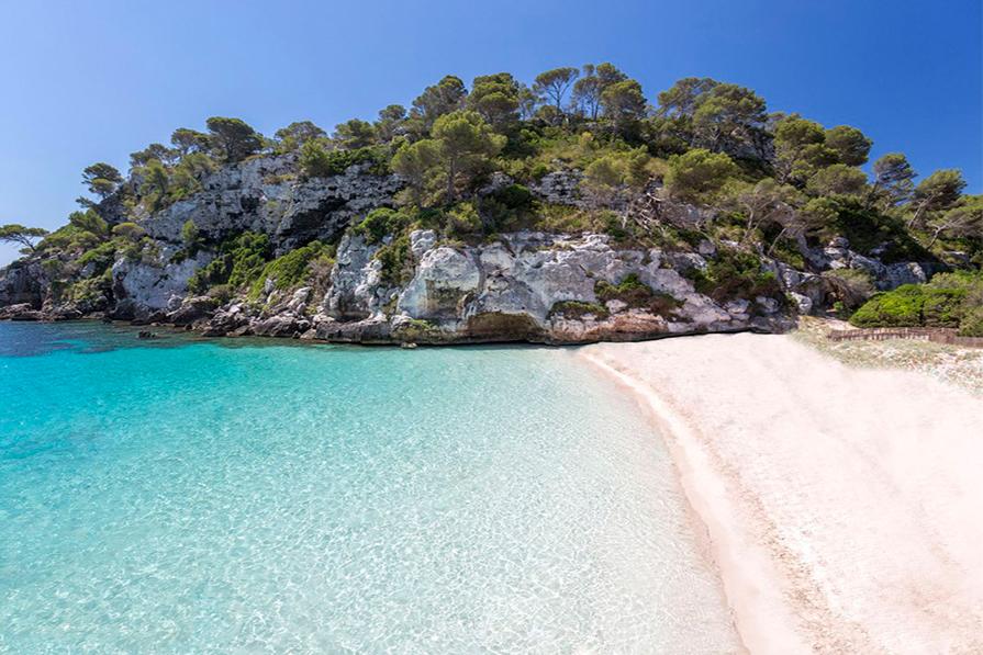 melhores-praias-de-menorca-onde-ir-danielle-noce-imagem-destaque