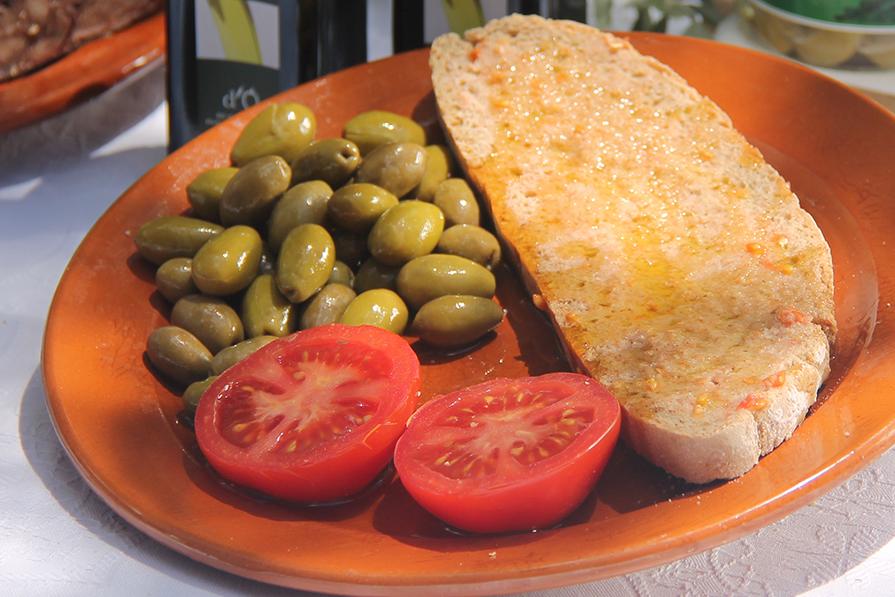 comidas-tipicas-de-mallorca-pratos-viagem-danielle-noce-imagem-destaque