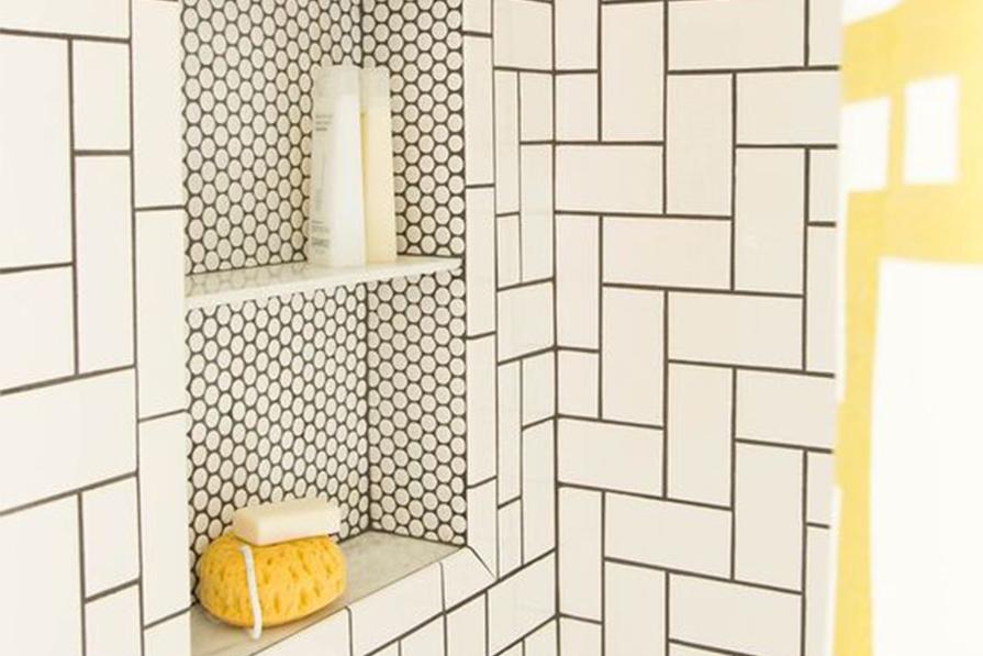 nichos-embutido-no-box-banheiros-economize-espaco-danielle-noce-imagem-destaque