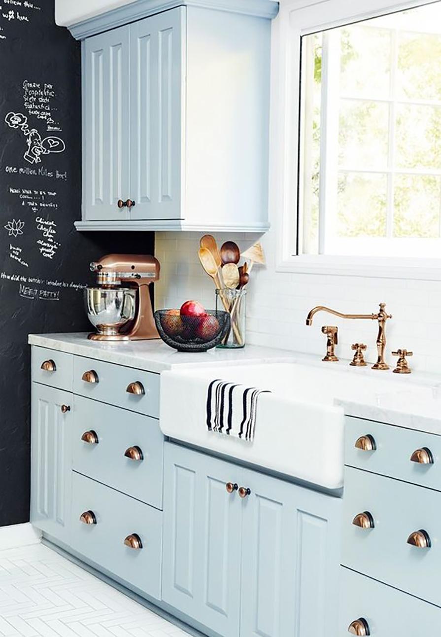 cozinha-as-cubas-mais-lindas-que-voce-ja-viu-cubas-de-semi-encaixe-farm-sink-dani-noce-1