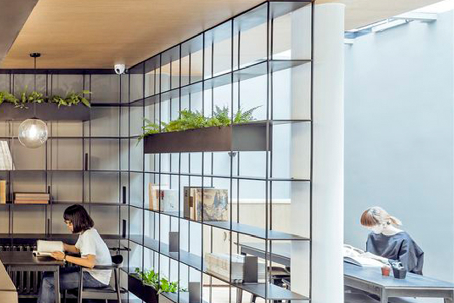 estante-modular-vergalhao-ferro-e-madeira-decoracao-danielle-noce-imagem-destaque
